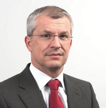 Dr.-Ing. Bernd Essig